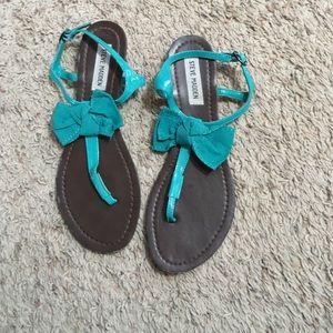30713c1e29629 Women s Steve Madden Bow Flat Sandals on Poshmark